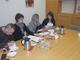 Od lewej: Ks. dr Andrzej Hanich z Parafii św. Jerzego w Prószkowie (umowa na publikację Źródeł do dziejów Prószkowa, oraz p.o. Dyrektora CMJW p. Violetta Rezler-Wasielewska